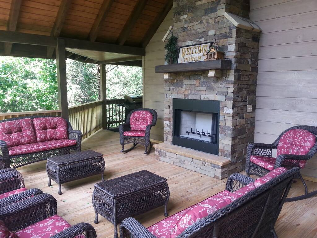 Pigeon forge cabin rentals sevierville cabins smokies edge - 3 bedroom cabins in gatlinburg tn cheap ...