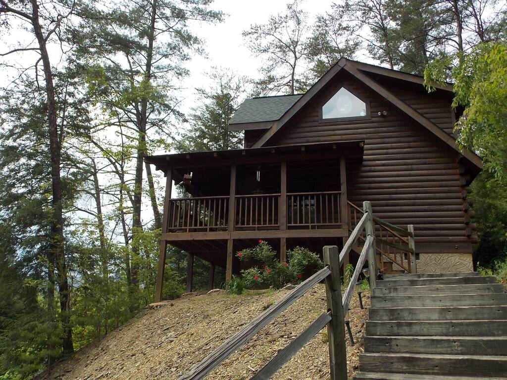 Sevierville cabins sevierville cabin rentals eagles ridge for Eagles ridge log cabin
